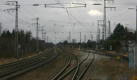 Cosmos Fluchtweg: S-Bahnhof Westkreuz mit Blickrichtung Gräfelfing